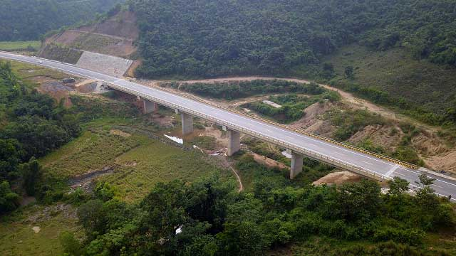 Đầu tư mở rộng cao tốc Hòa Lạc - Hòa Bình từ 2 lên 4 làn xe
