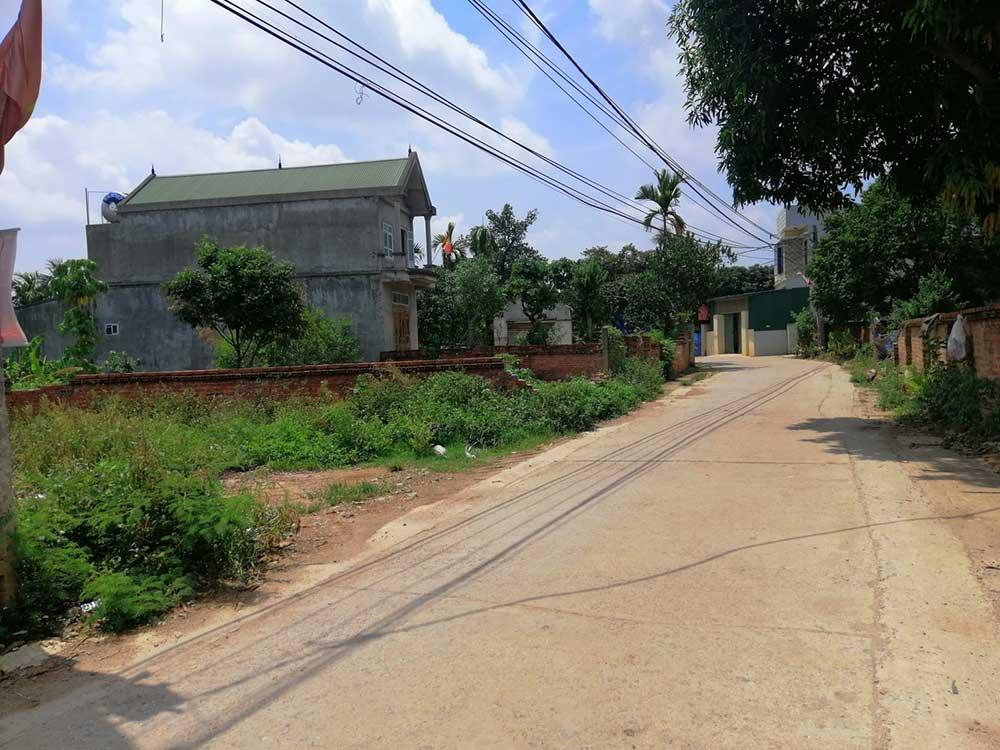 Khu đất 11 lô Thôn 4 Phú Cát Sát Nhà Máy In Tiền Hòa Lạc