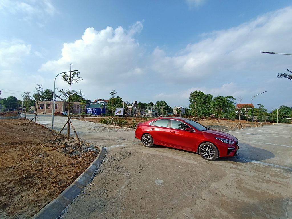 60 lô đất nền xã Cổ Đông ngay cạnh CNC Hòa Lạc 100% thổ cư Giá chỉ 9.5tr/1m2