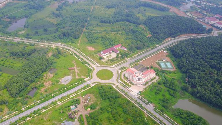 Khu vực quy hoạch ĐHQG Hà Nội tại Hòa Lạc nhìn từ trên cao.