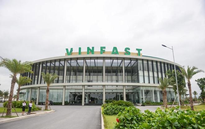 Vingroup huy động gần 7.000 tỷ để bơm vốn cho VinSmart, VinFast